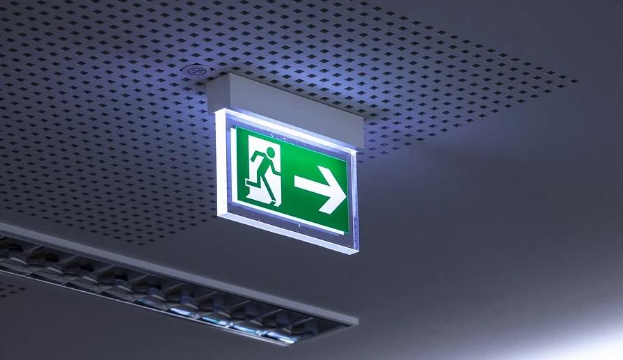 Um die Sicherheit der Mitarbeiter zu gewährleisten ist ein ausreichender Brandschutz notwendig